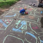 Jocuri cu creta: Cel mai important instrument pentru jocurile de vara