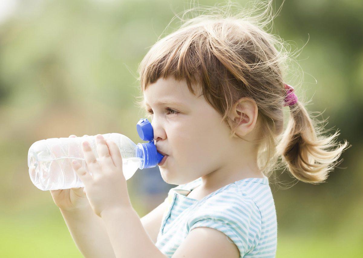 Copilul nu bea apa? Exista solutii!