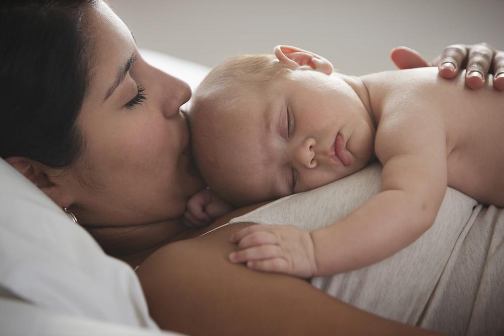 Somnul bebelusului: Ce ne imaginam si cum este in realitate