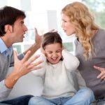 Dupa divort: Reactiile copilului cand parintii se invinovatesc
