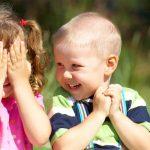 Cum iti ajuti prichindelul sa-si faca prieteni