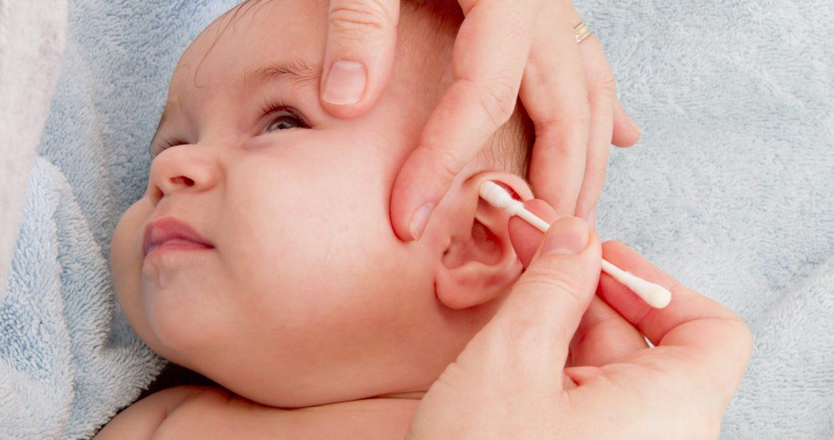 De ce sa nu folosesti betisoare de urechi la bebelus