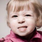 Scrasnitul dintilor: Cauze si tratament