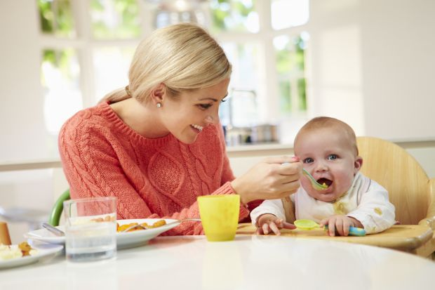 Diversificarea la bebelusi: Alimente interzise in primul an de viata