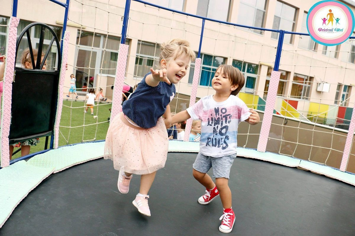 International Premium School Of Bucharest si Gradinita Prietenii Mei la ZAPA Petrecere