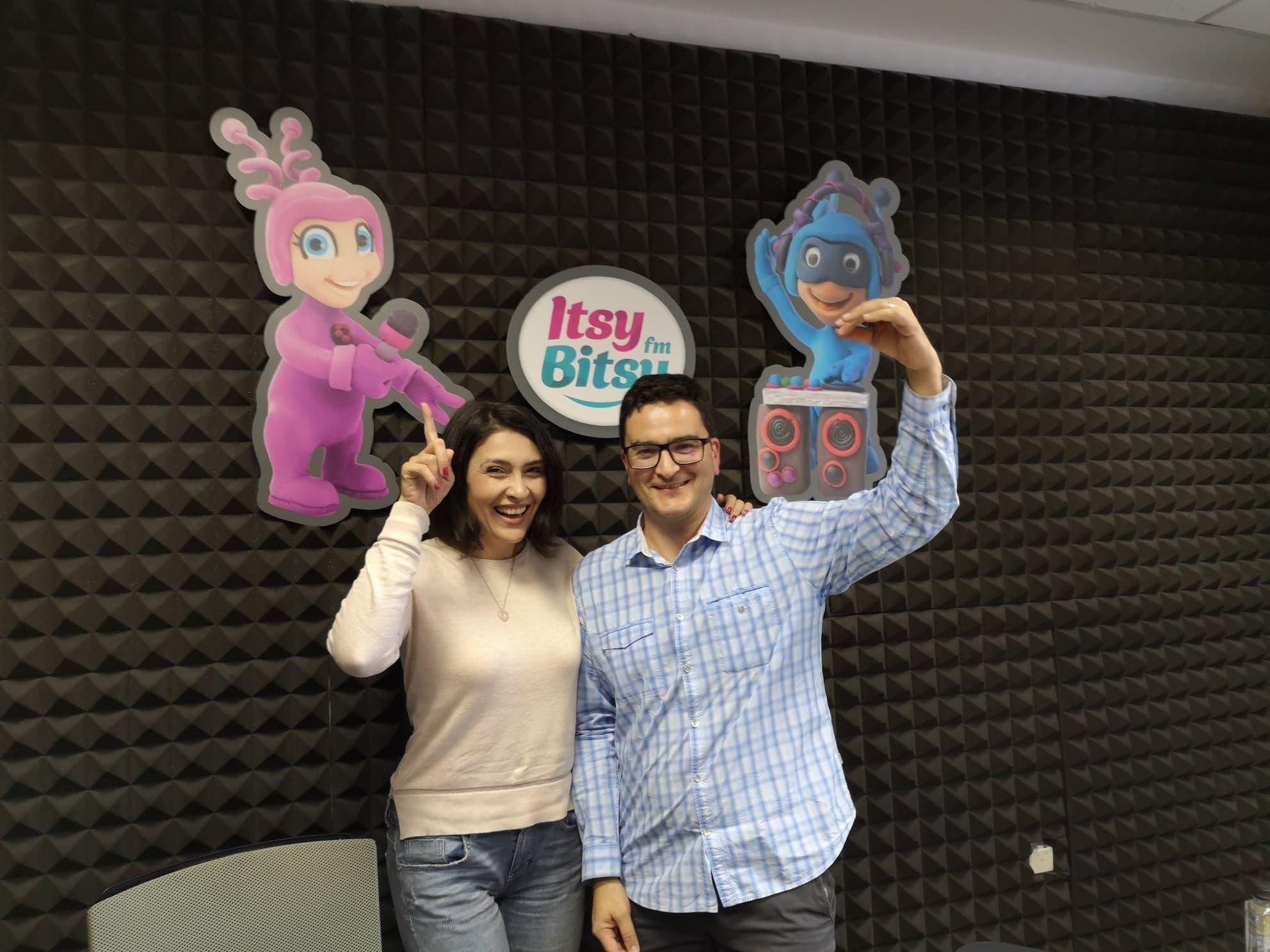 "Ruxandra Rusan, realizatoarea emisiunii ""Educatie fara Bla Bla"" si Mihai Ganj"