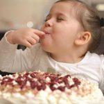 Consumul de zahar la copiii mici