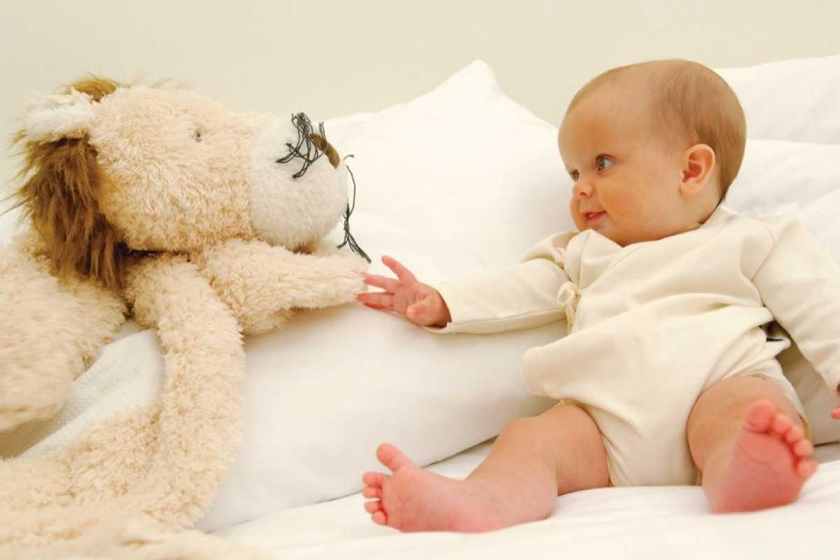 Cum alegi hainele bebelusului