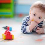 Ce facem cu bebelusii care baga obiecte in gurita?
