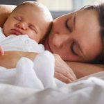 Co-sleeping: beneficii si dezavantaje