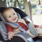 Cu bebelusul in masina: Cum il tii ocupat