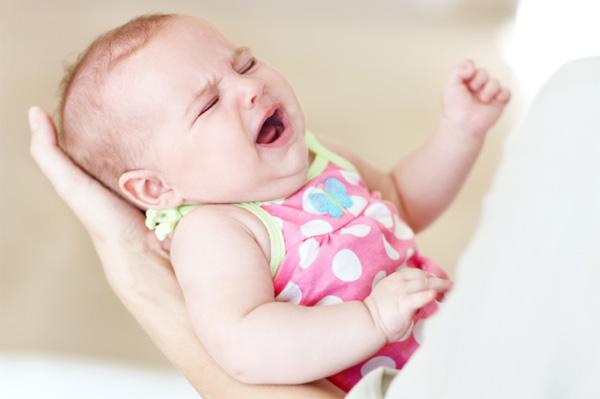 Ce sa faci cand bebelusul plange