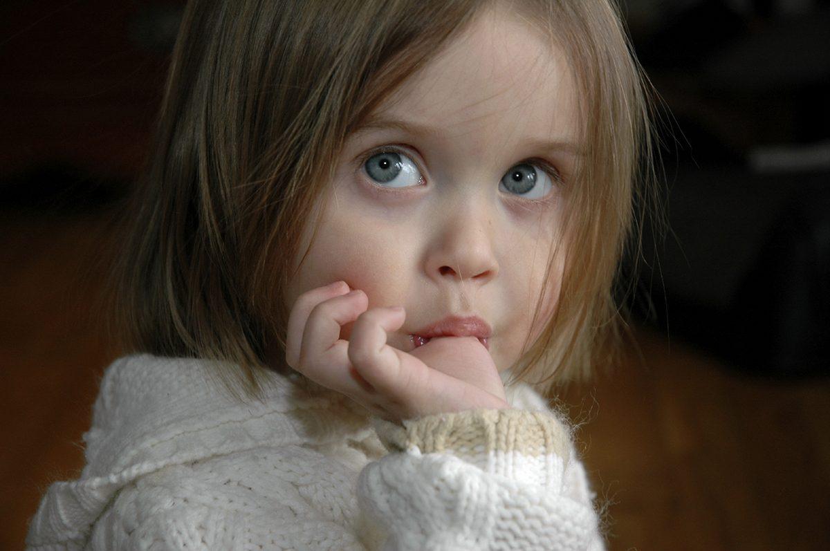 Ce inseamna suptul degetului la copii