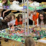 Mai mult decat un joc educativ: Jocul Pacii Mondiale
