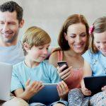 Parintii Copiilor Digitali: Copiii de sub 2 ani stau peste 30 de minute in fata ecranului
