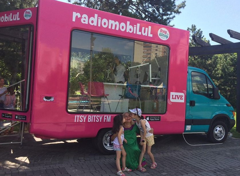 SuperZAPA transmite din Radiomobilul Itsy Bitsy la Opera Comica pentru Copii