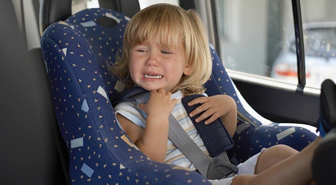 Ce faci cand copilul nu vrea sa stea intr-un scaun auto