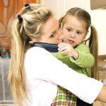 Cum treci peste provocarile din viata de parinte
