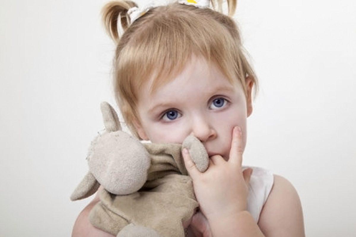 Ce inseamna pentru copil suptul degetului