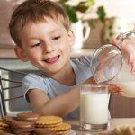Mituri despre laptele UHT si alte lactate