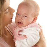 Cum sa reactionezi cand bebelusul plange