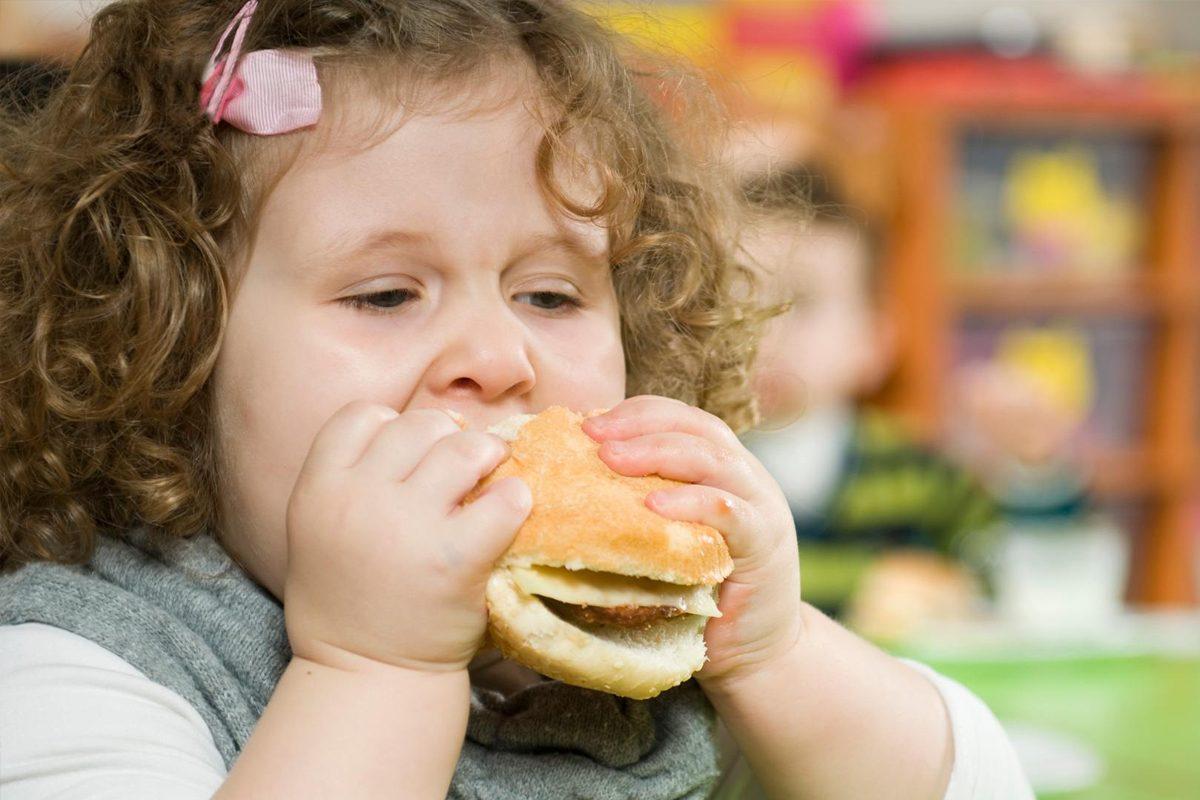 Ce pericole ascund kilogramele in plus la copii
