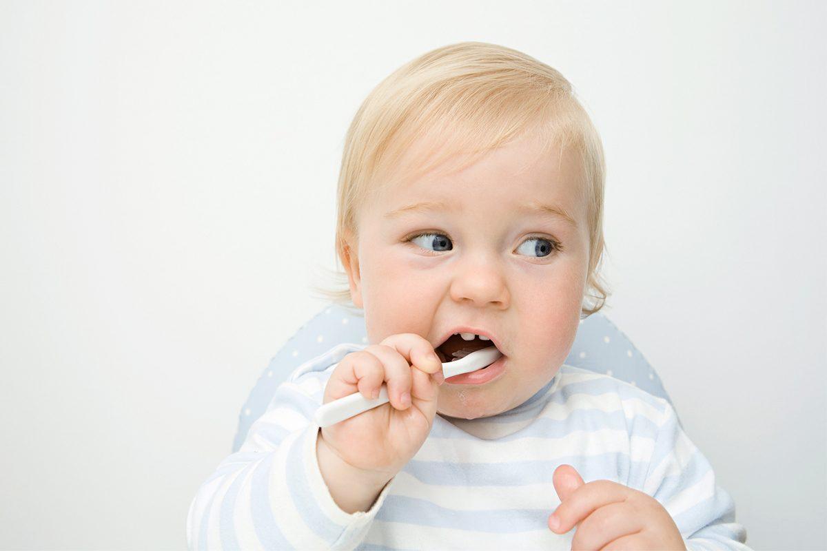 Dintii de lapte: Ingrijirea corecta de la primul dintisor