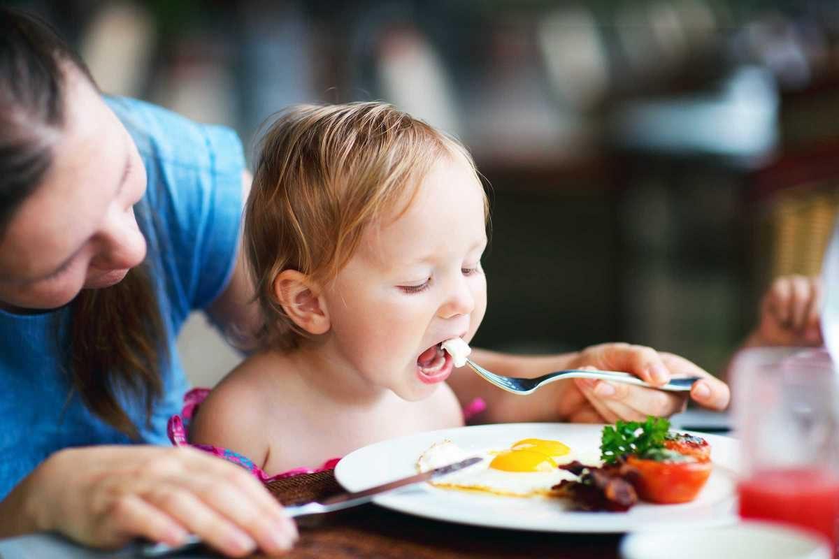 Carnea in diversificare: Ce produse le dam copiilor