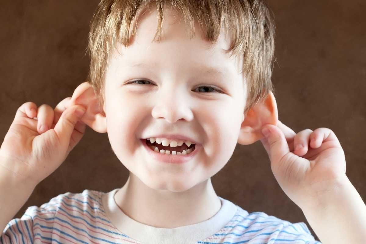 Urechi clapauge la copii: Cauze si tratament