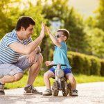 Cum invata copiii sa pedaleze tricicleta