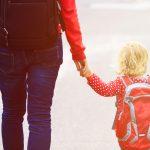 Ce ii asiguri unui toddler in geanta de plimbare