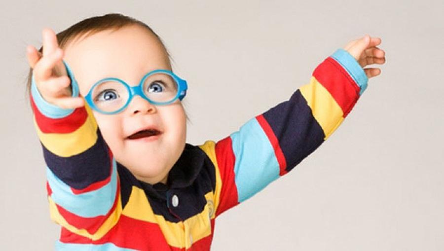 Cum corectezi miopia la copii
