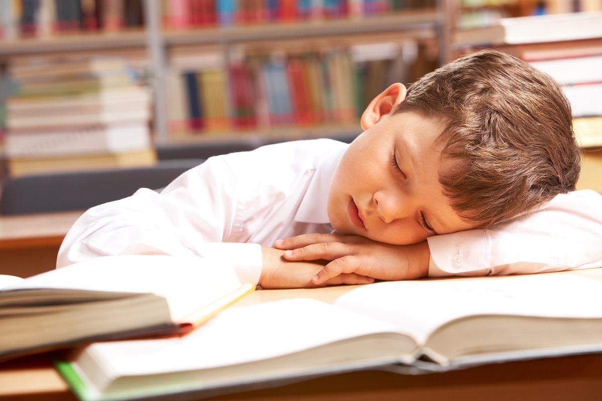 Cat trebuie sa doarma un copil scolar?