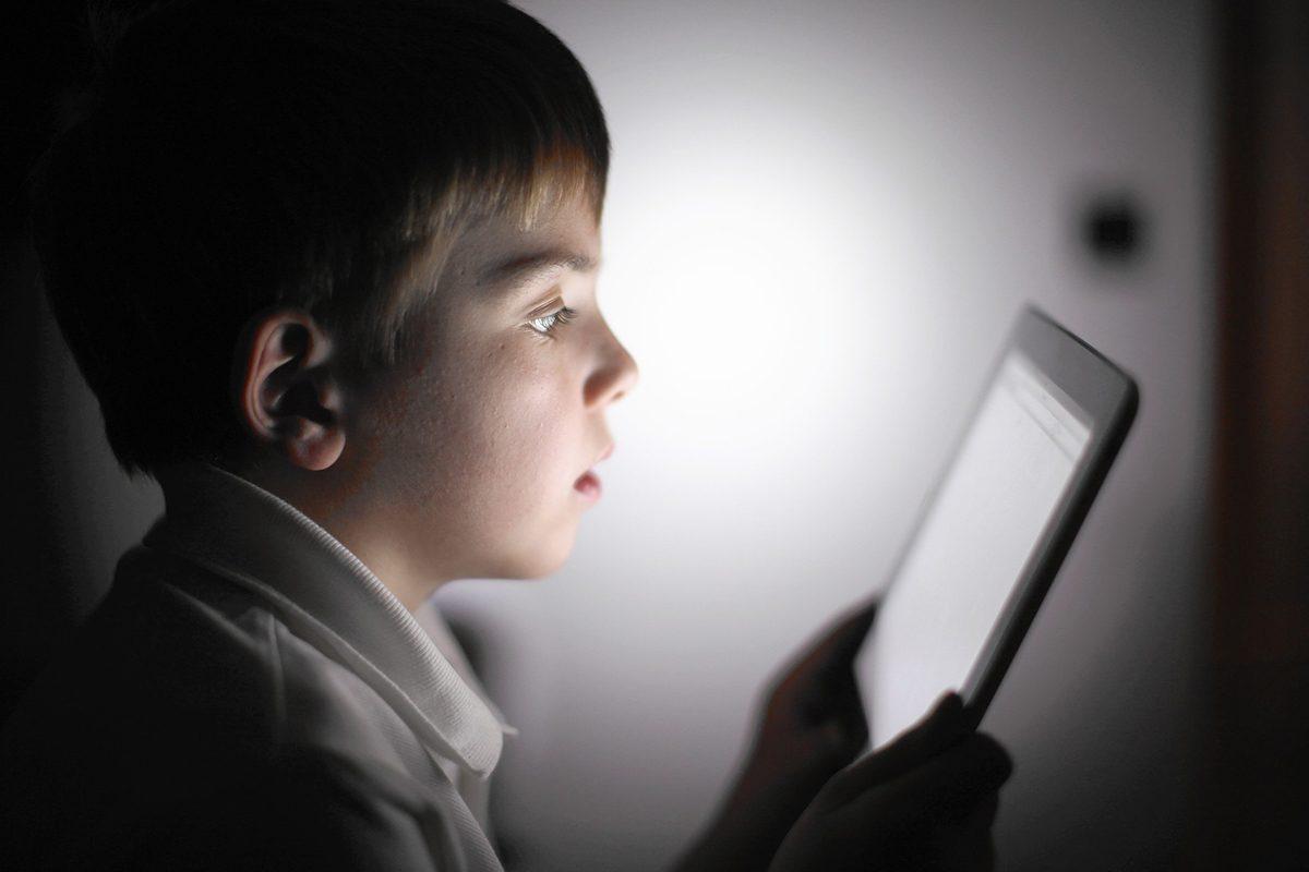 Cum se creeaza dependenta de tehnologie la copii