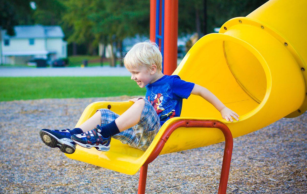 De la ce varsta de poate da piciul in tobogane pentru copii