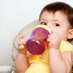Ce bea bebelusul in afara de lapte?