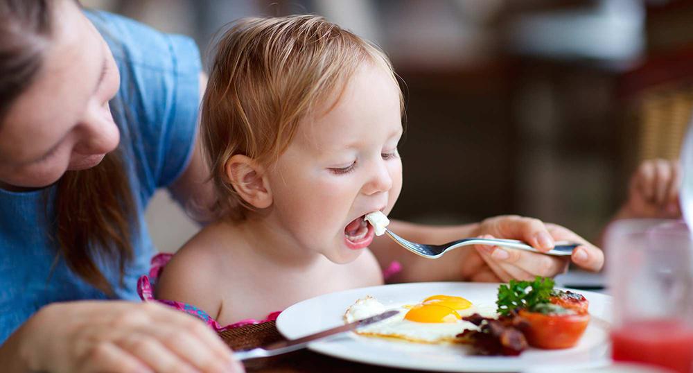 Ce sa nu contina alimentatia copilului la 1-3 ani