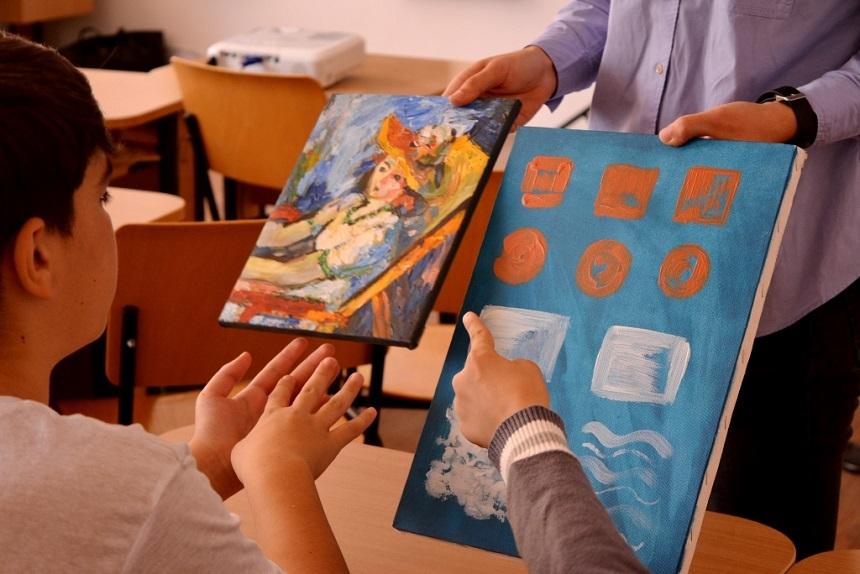 Muzeul mobil: Imprietenirea copiilor cu arta