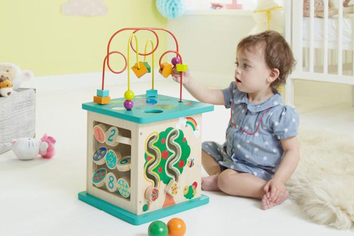 cum alegi cele mai potrivite jocuri si activitati pentru bebelusi itsy bitsy. Black Bedroom Furniture Sets. Home Design Ideas