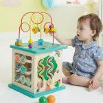 Cum alegi cele mai potrivite jocuri si activitati pentru bebelusi