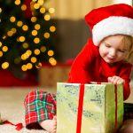 Ce cadouri de Craciun alegi pentru prichindelul tau