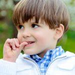 Obiceiuri vicioase care afecteaza dintii copilului