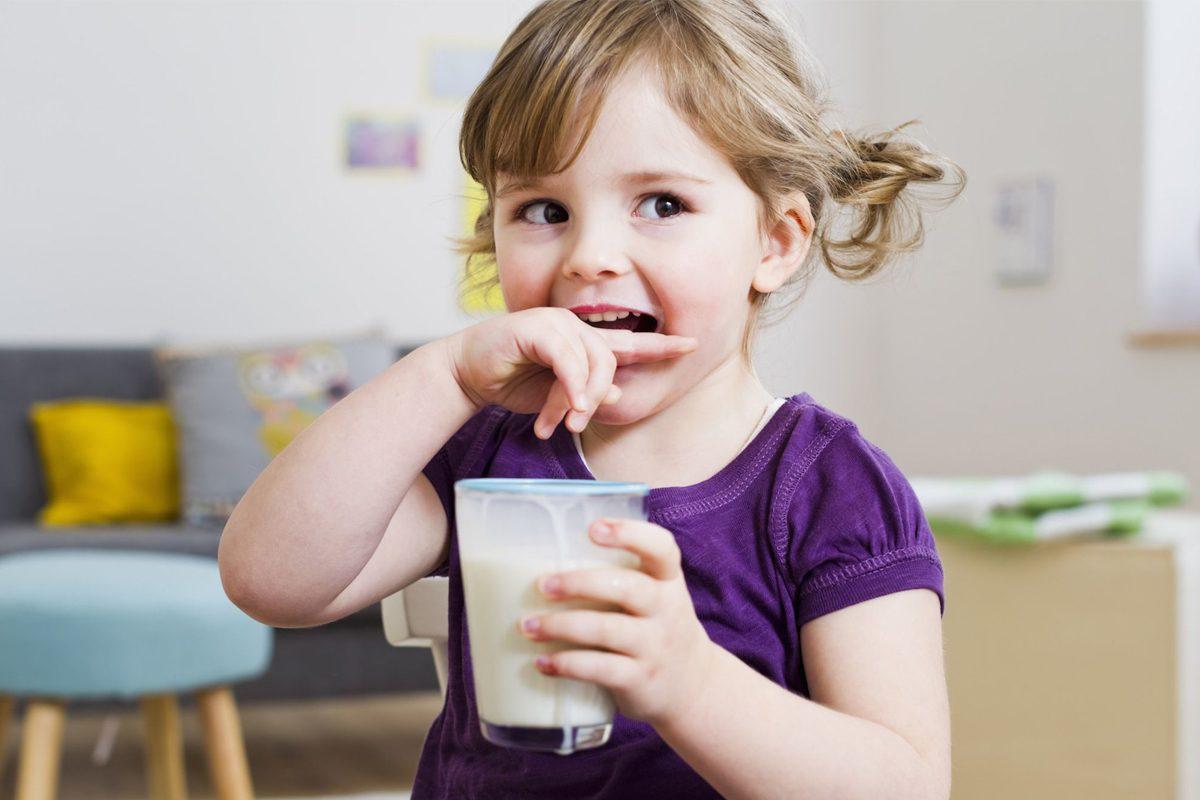 Pana cand ii poti da copilului lapte praf