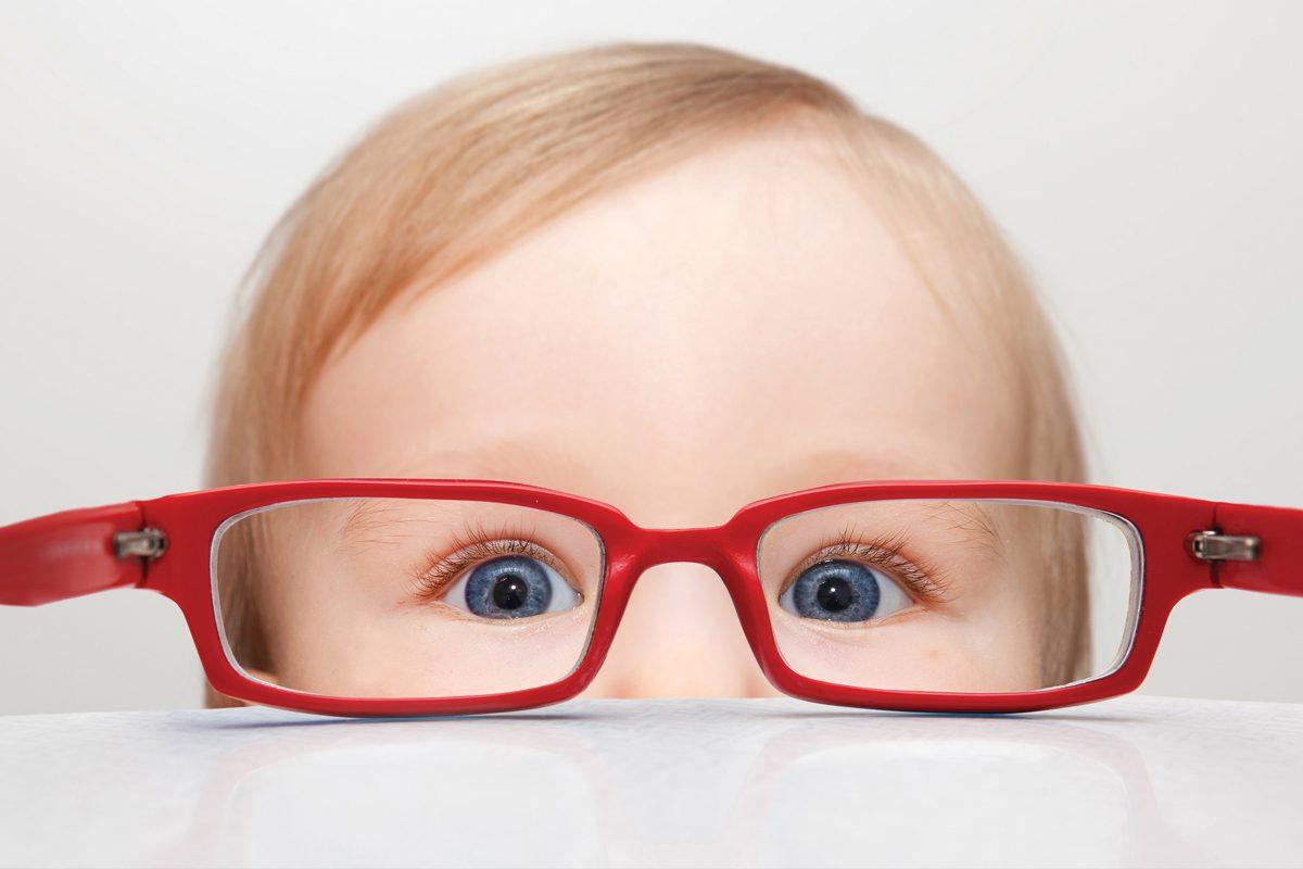 Cum se manifesta astigmatismul
