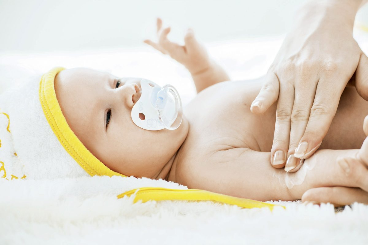 Dermatita atopica la bebelusi: Cauze si solutii