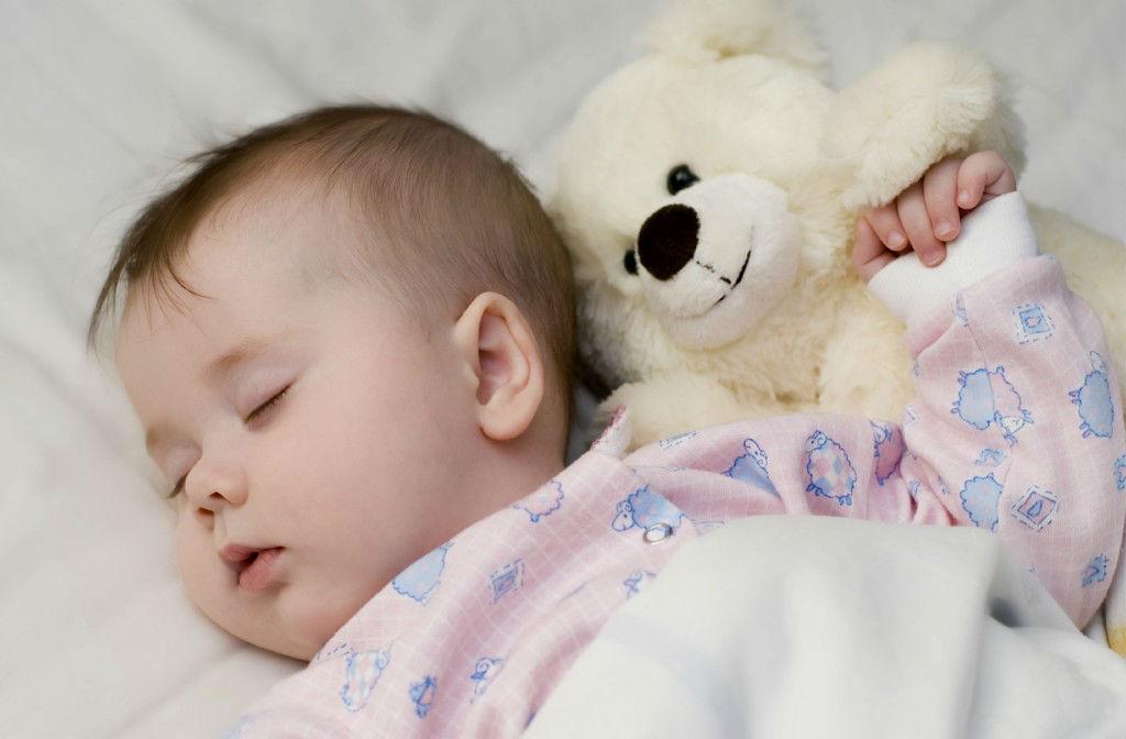 Somnul bebelusilor: Cum dorm ei ziua
