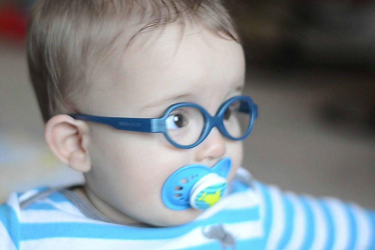 Probleme de vedere la copiii mici